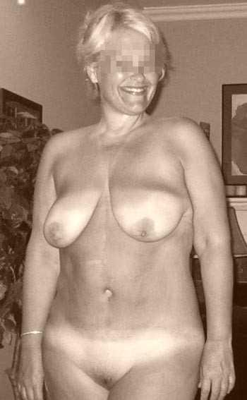 Jolie femme mature à Saint-Pierre