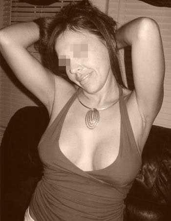 Cougar vicieuse désire trouver un jeune mec branché sexe à Dijon