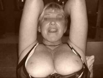 Femme mure sexy voulant un plan baise à Istres