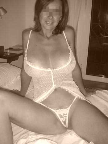 Je cherche un jeune branché sexe à Aix-en-Provence pour une baise anale