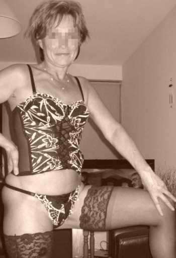 Je cherche un bel homme dans la vingtaine sur Villeurbanne pour du sexe extrême