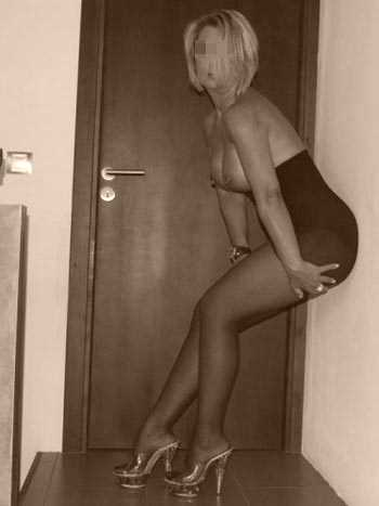 Je recherche un gros câlin à Perpignan avec un jeune black sexy