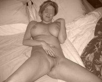 Femme cougar sexy sur Grenoble qui cherche un jeune homme viril