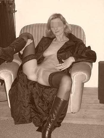 Femme cougar en manque cherche un mec jeune à Évreux
