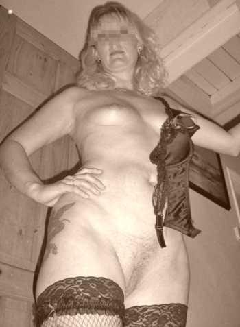 Je cherche un mec jeune et fougueux sur Versailles pour un plan sex