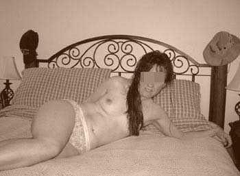 Femme mure sexy à Évreux pour un plan cul d'un soir